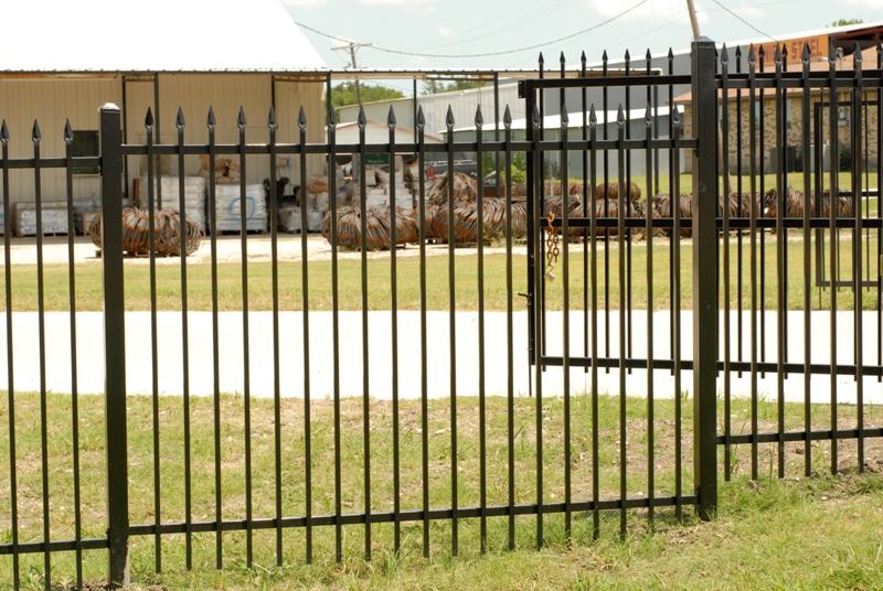 Kodiak Iron - Galvanized Iron Fence Panel - Summit